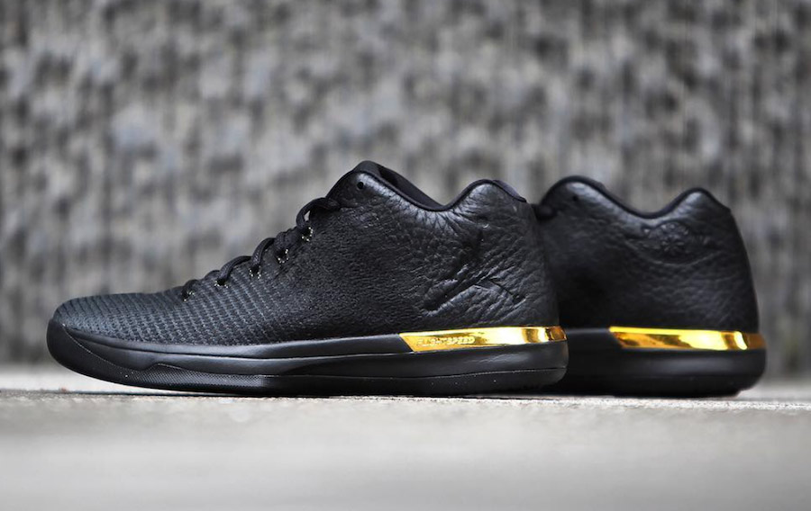 This Black and Gold 31 Low drops this week