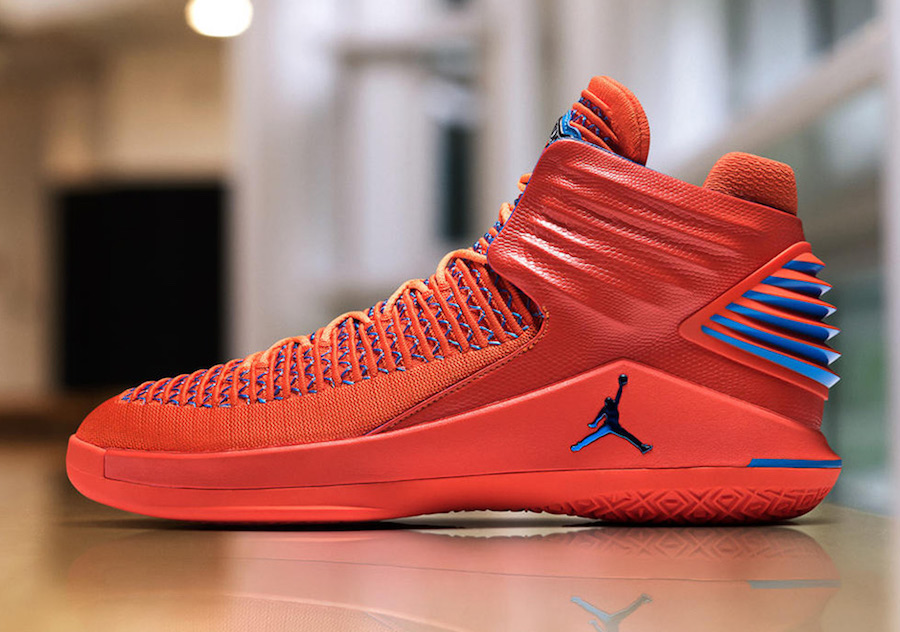 "Russell debuts his first Air Jordan 32 ""OKC"" PE"
