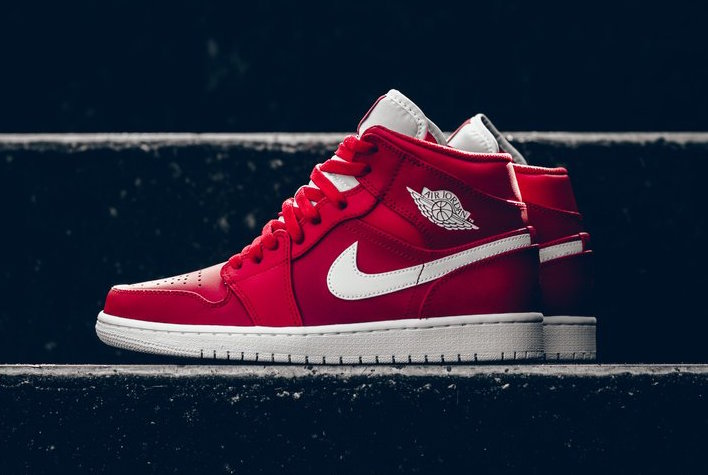 "This ""Gym Red"" Air Jordan 1 Mid is now available"