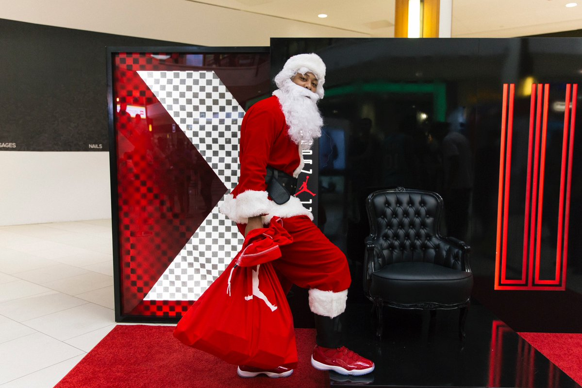 Santa was out dropping early presents to Jordanheads