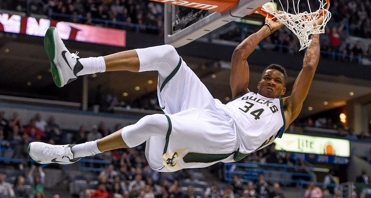 separation shoes 6eed6 fb774 Giannis commits to Nike