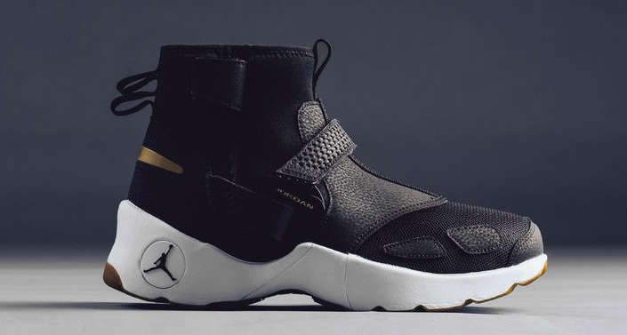 This Black and Gold Trunner is available now