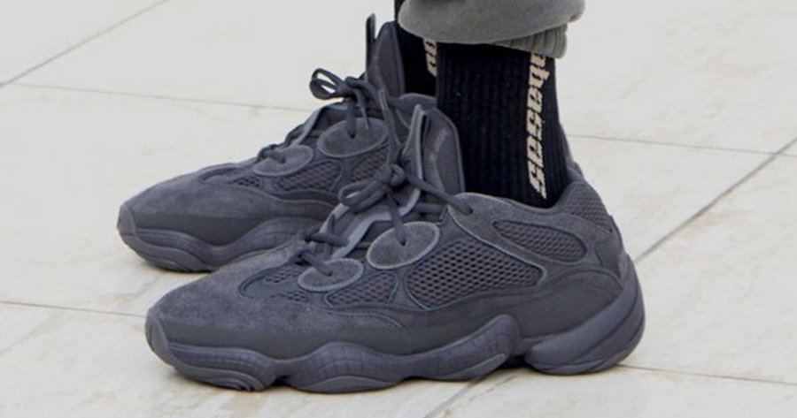 On foot look // adidas Yeezy 500 'Utility Black'