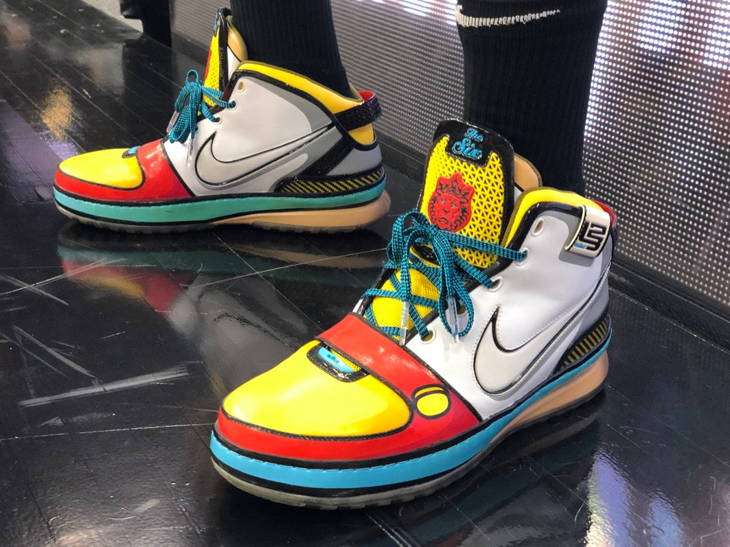 """What the deuce? King James breaks out the rare """"Stewie Griffin"""" LeBron 6"""