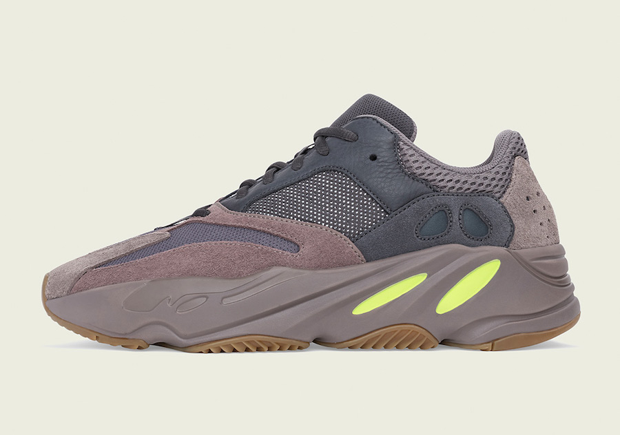 "Official Images // YEEZY 700 ""Mauve"""