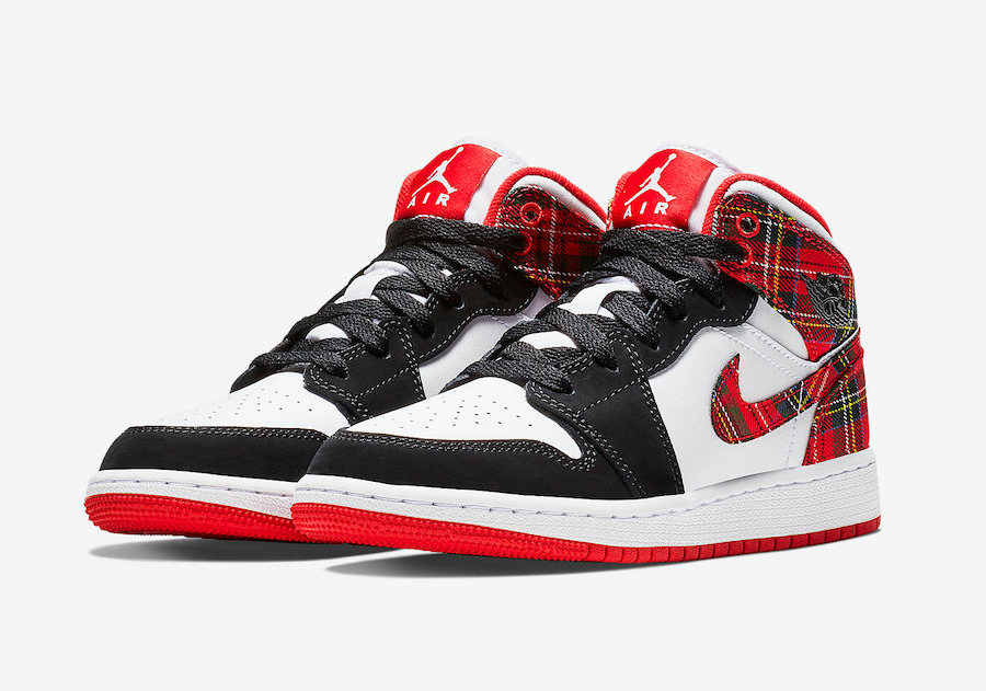 The Air Jordan 1 Gets Decked out for Christmas