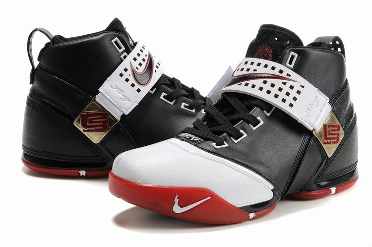 The 30 Ugliest Basketball Shoes Ever Made - HOUSE OF HEAT  89dc78191