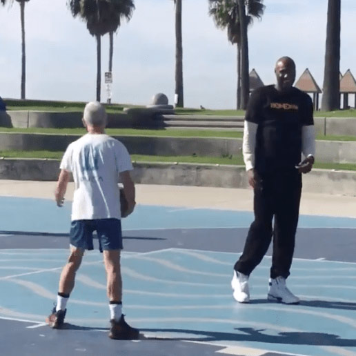 VIDEO // Lamar Odom is Really Out Here Shooting Hoops With a Homeless Man in Venice Beach