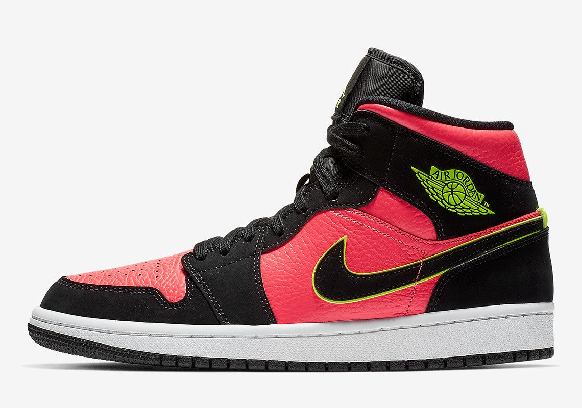 detailed pictures dfd3a 9dcc5 This New Air Jordan 1 Mid Packs a Punch - HOUSE OF HEAT ...