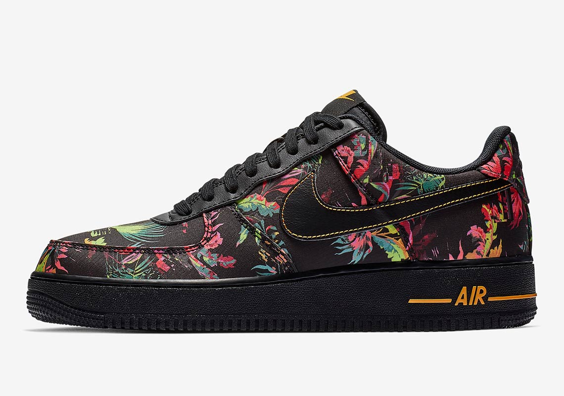 presa enorme inventario vari design Floral and Nylon Hit the Air Force 1 - HOUSE OF HEAT ...