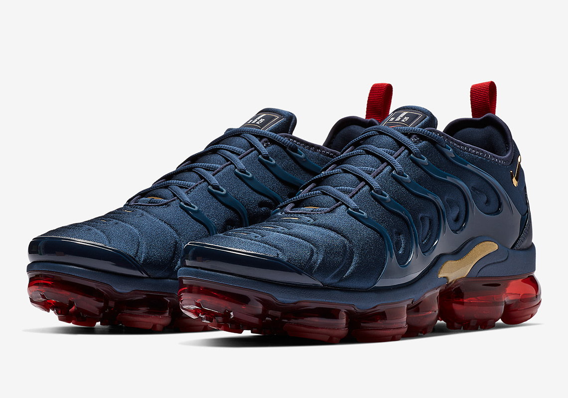 quality design cf762 63f5d The VaporMax Plus is the Next Nike to Rock the Iconic ...