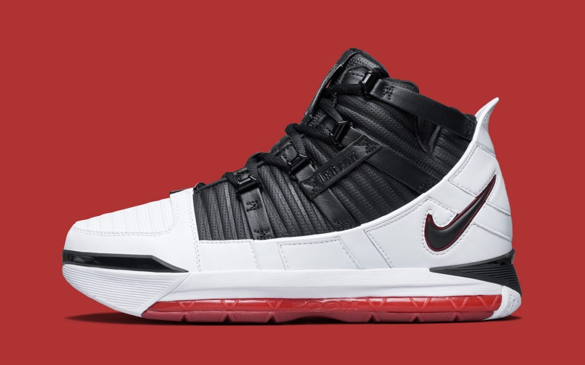 """Official Looks at this February's OG """"Home"""" LeBron 3"""