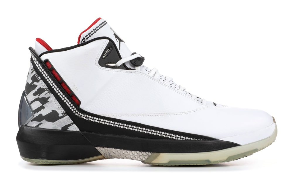 best loved fa0ce b7b46 Air Jordan 22. The concept is really cool on the 22. Inspired by the F22  Raptor fighter jet and pulling through some strong WC3 vibes was enough to  pull ...