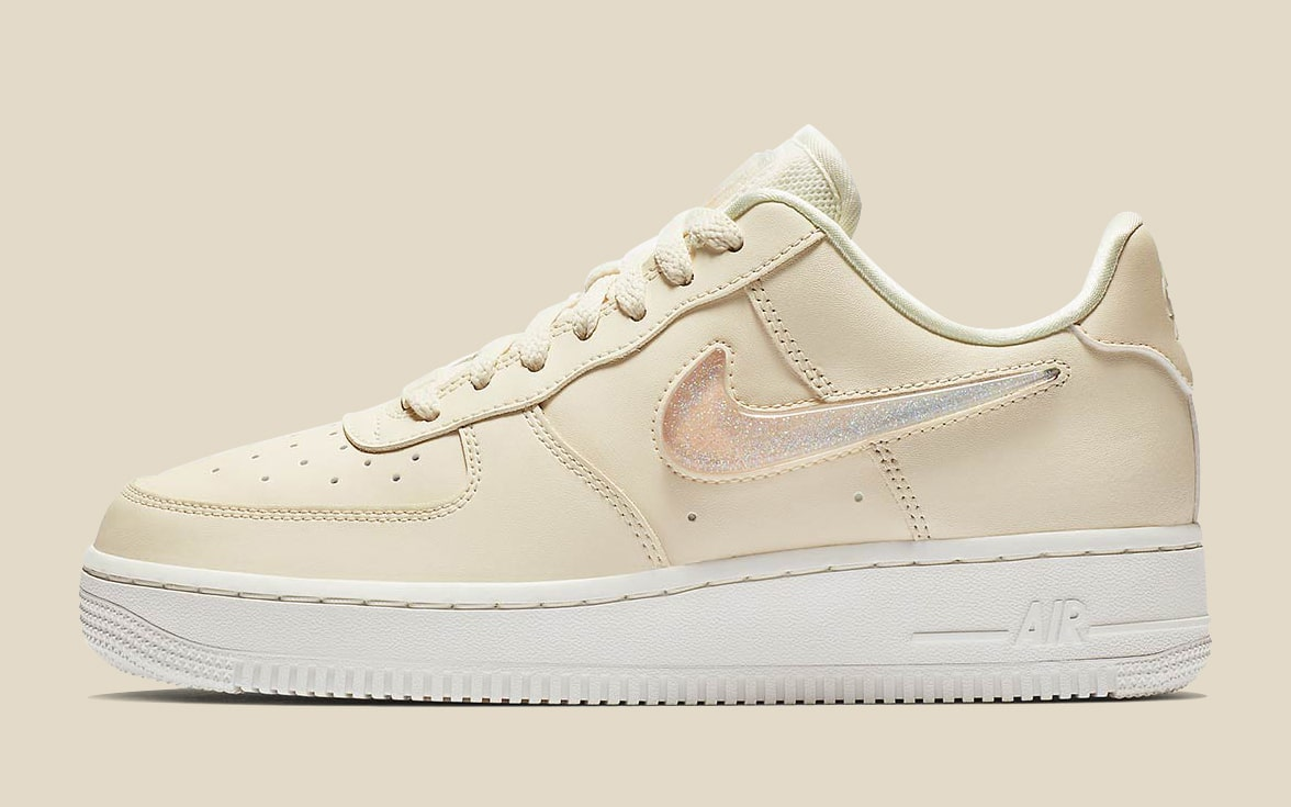 "Available Now // Nike Air Force 1 WMNS ""Jelly Puff"""