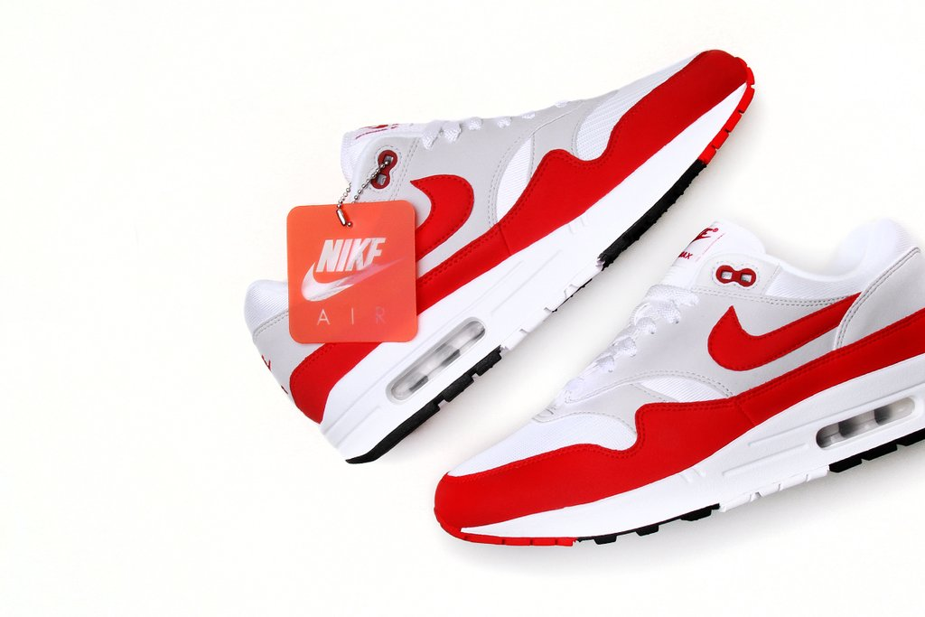 16 Amazing Air Maxs Available Right Now!
