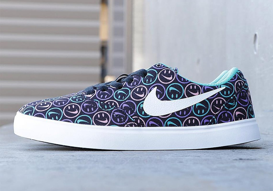 """The Nike SB Check Wants Your Little Ones to """"Have A Nike Day"""""""