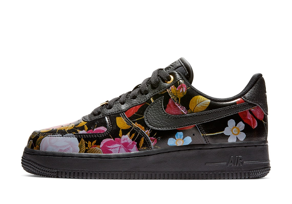 d29ef4dfb202d Nike Goes Full-Floral for the Ladies this Valentine s Day - HOUSE OF ...