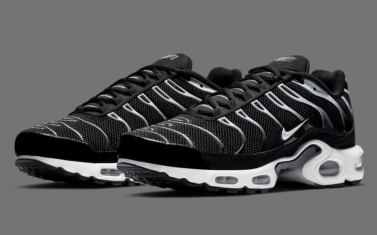 nike air max plus zebra
