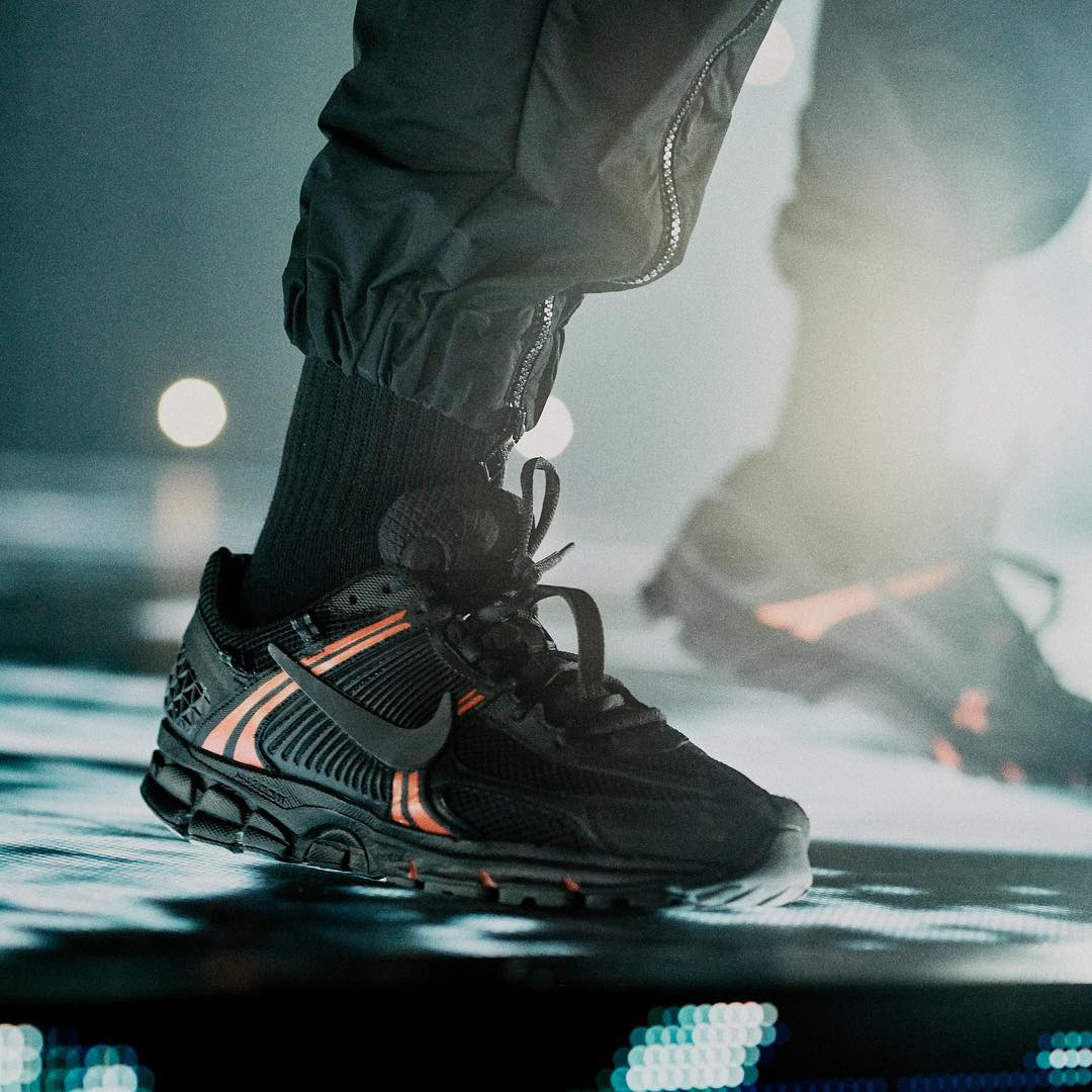 Drake Debuts a Nike Zoom Vomero 5 PE on Stage in Paris