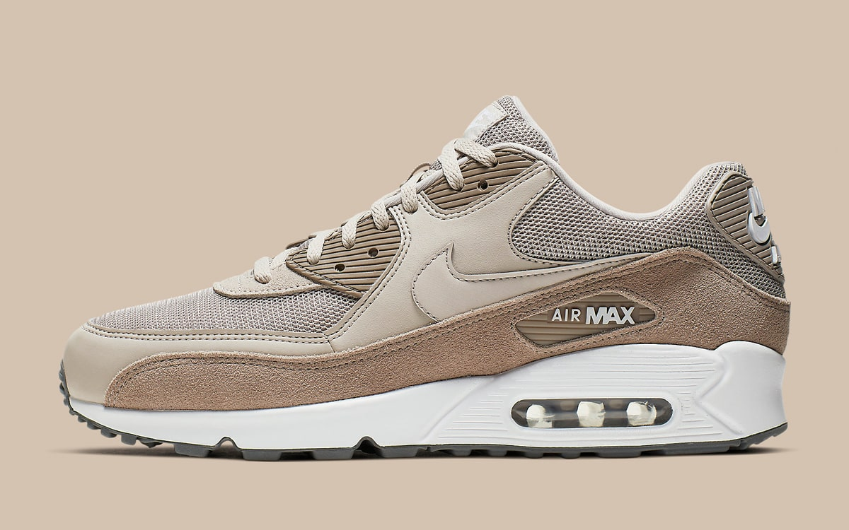 """desayuno caja suspensión  The Nike Air Max 90 """"Sepia Stone"""" Arrives with Luxe Plush Suede - HOUSE OF  HEAT 