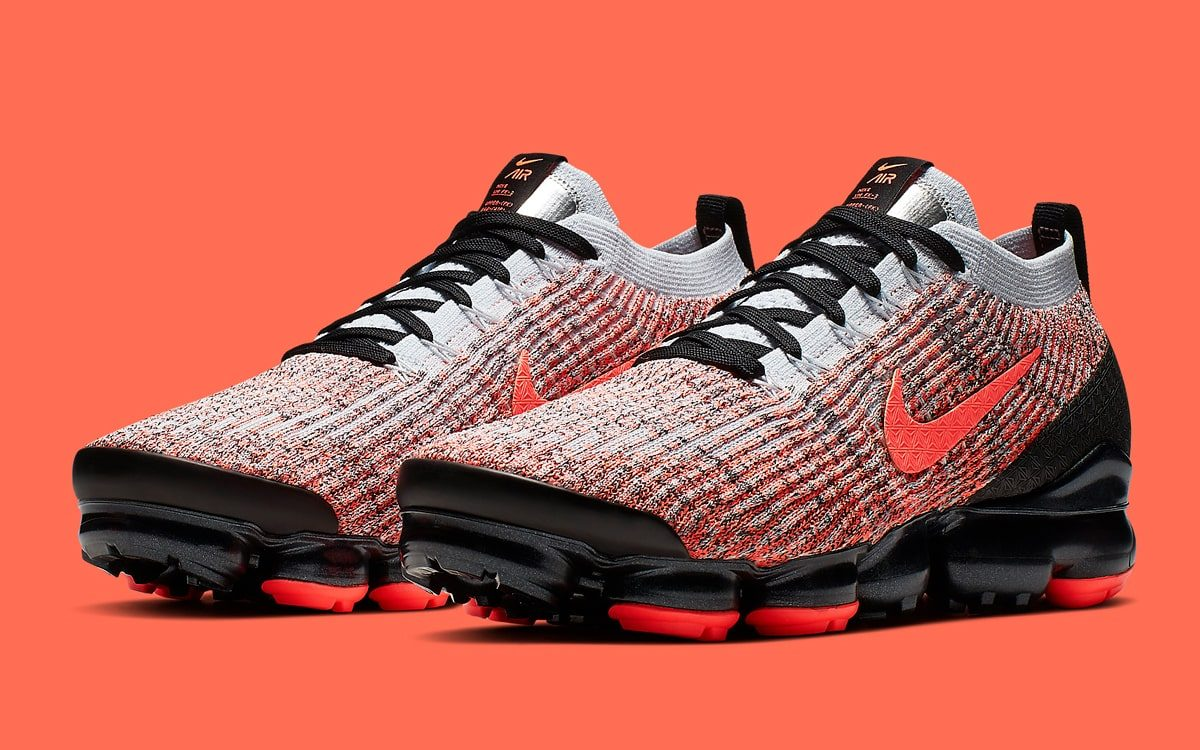 sports shoes b4191 36d8e Available Now // Iconic Infrared Cloaks the All-New VaporMax ...