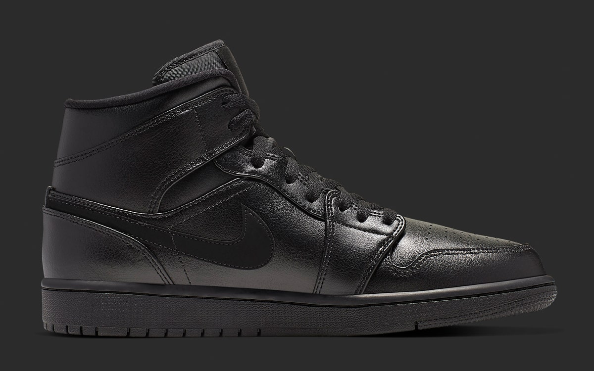 Air Jordan 1 Mid Triple Black 554724-090