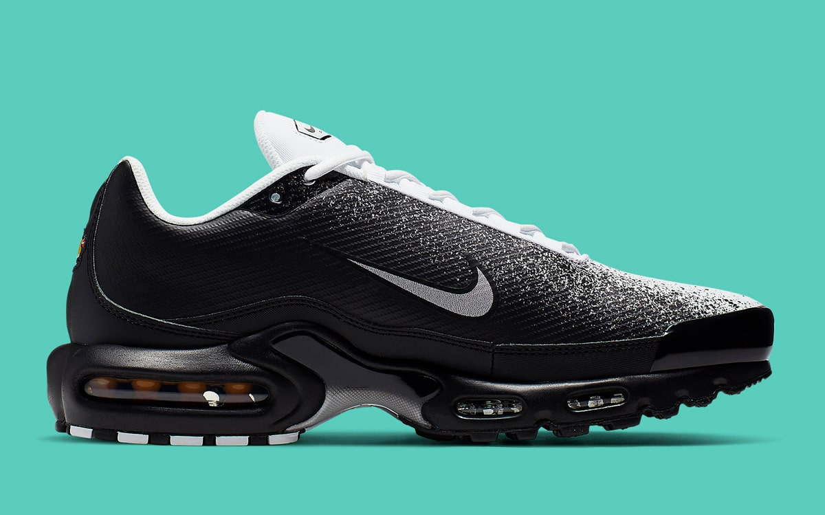 bc678365ae6 Available Now // Monochrome Spray-Painted Air Max Plus - HOUSE OF ...