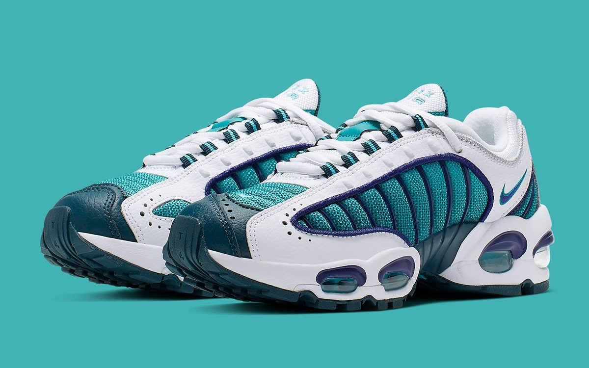 new style 592bd 4ecb1 Hornets-Colors cover the Next Nike Air Max Tailwind