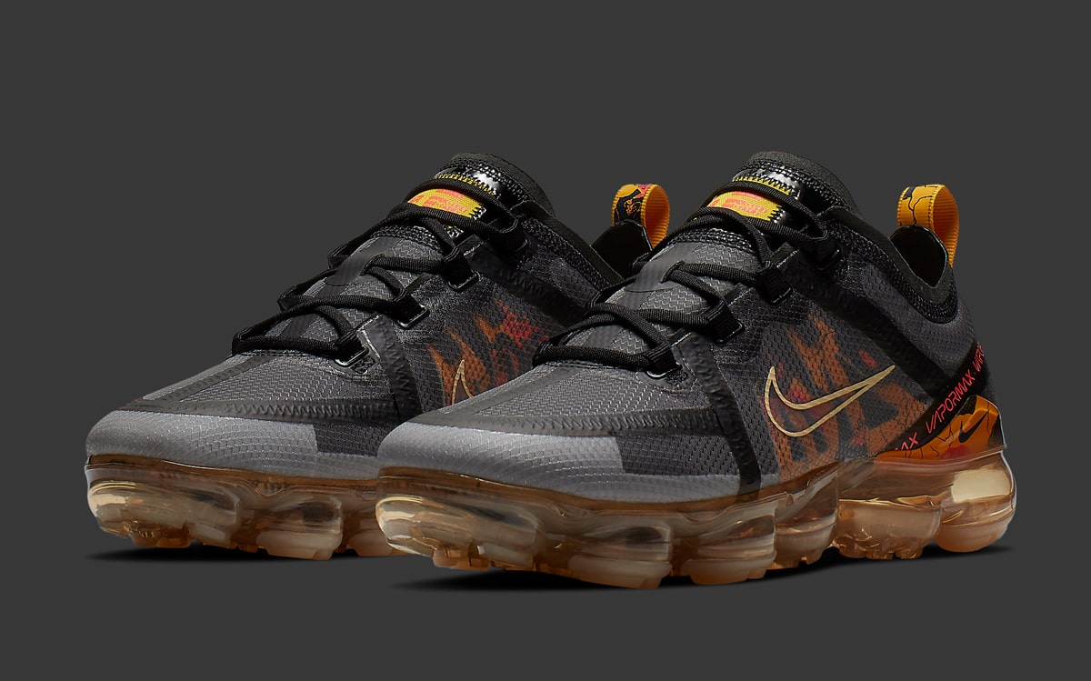 buy popular e52d6 35f4e Available Now // The Nike Air VaporMax 2019 is Next to Flex ...