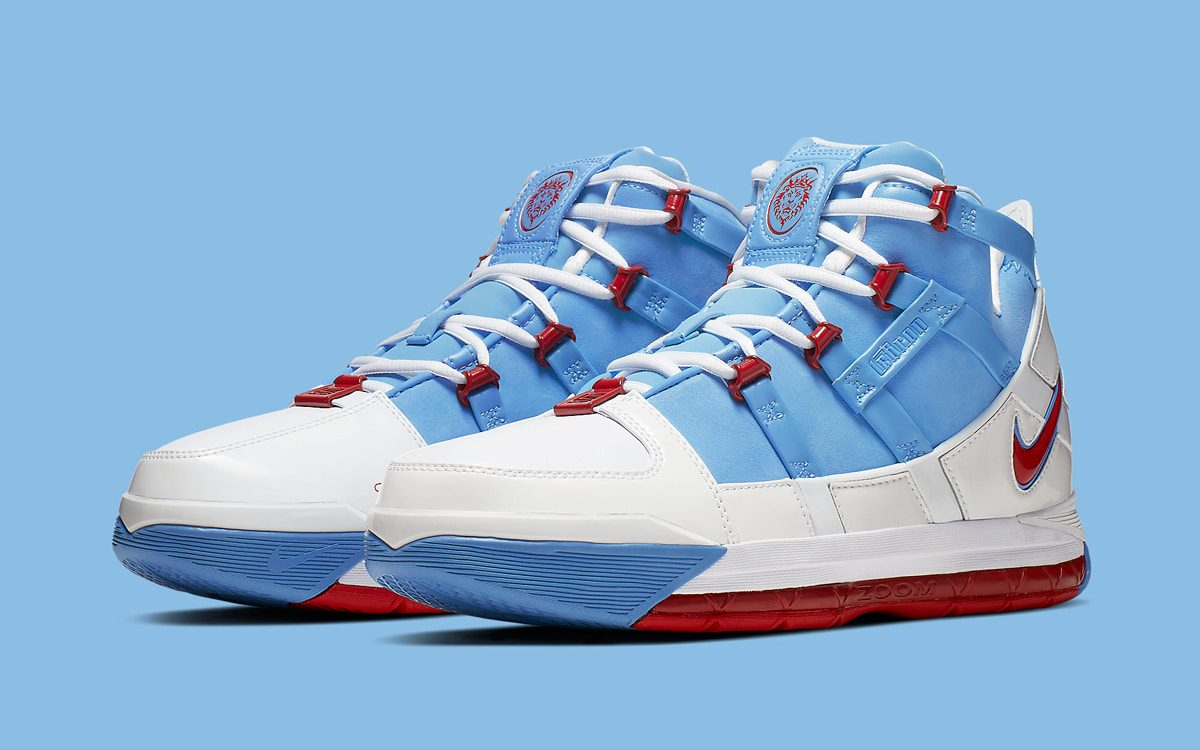 "Nike LeBron 3 ""Houston Oilers"" PE to Get First-Ever Release on June 23rd"