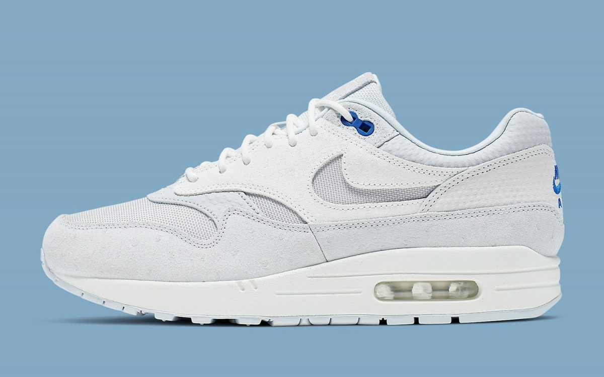 0916e3bc7d Available Now // This Air Max 1 Arrives with Textured Tooling at Cut-Out