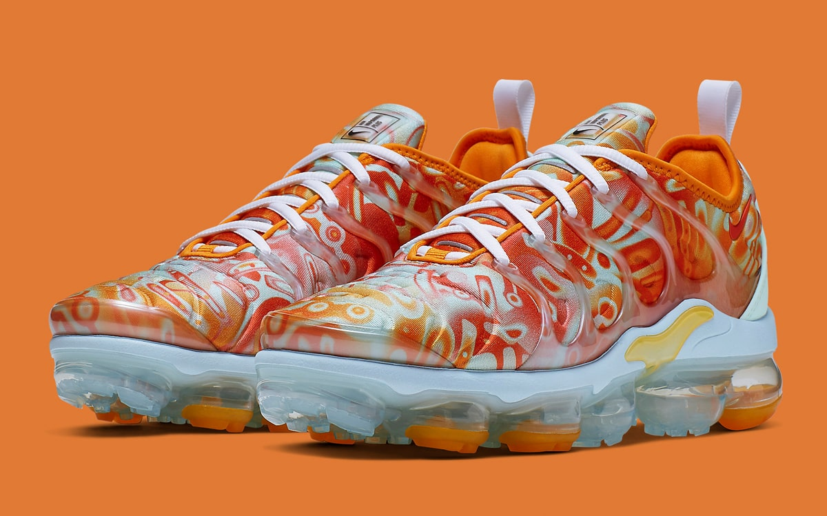Available Now // The Nike VaporMax Plus Gets The Dip-Dyed