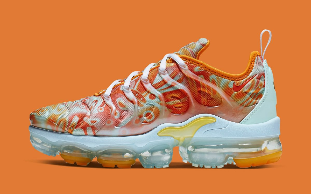 Available Now // The Nike VaporMax Plus Gets the Dip-Dyed Drip