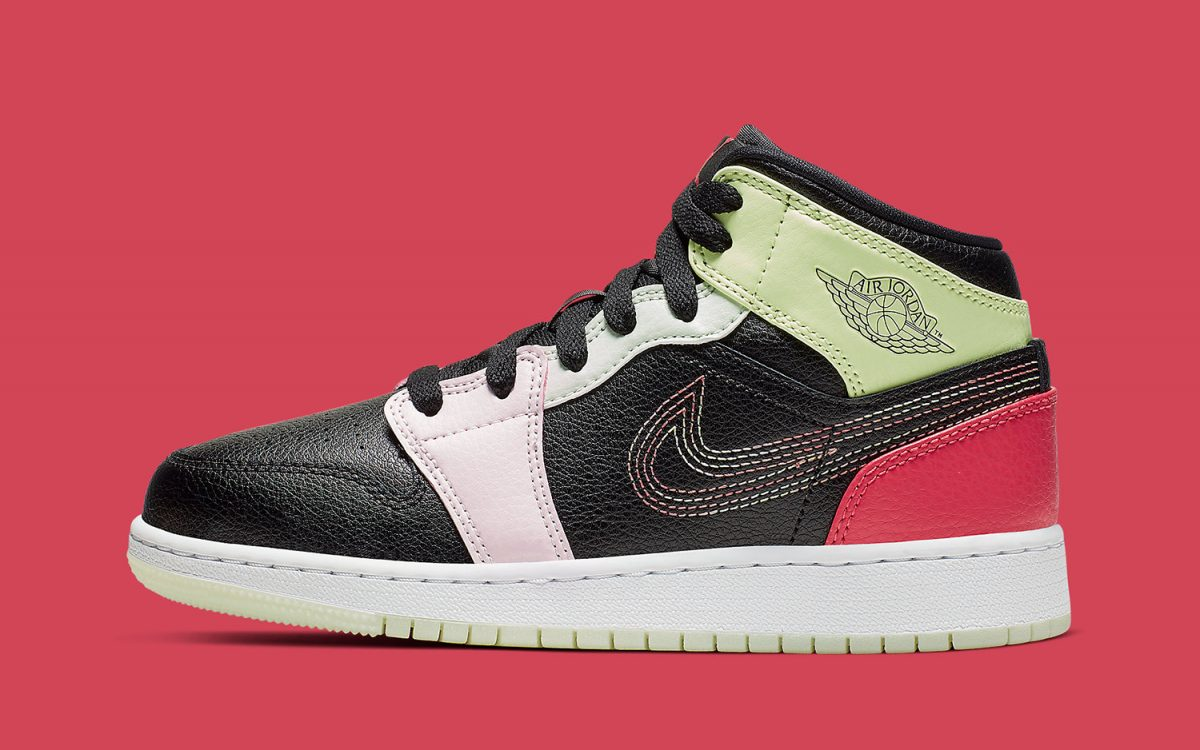 More Stitched-On Swooshes Appear on the Air Jordan 1