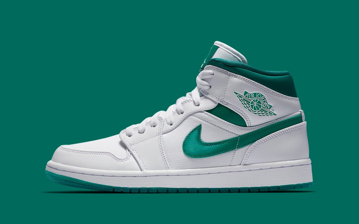 "This ""Mystic Green"" Air Jordan 1 Mimics 1985's OG Metallic Makeup"