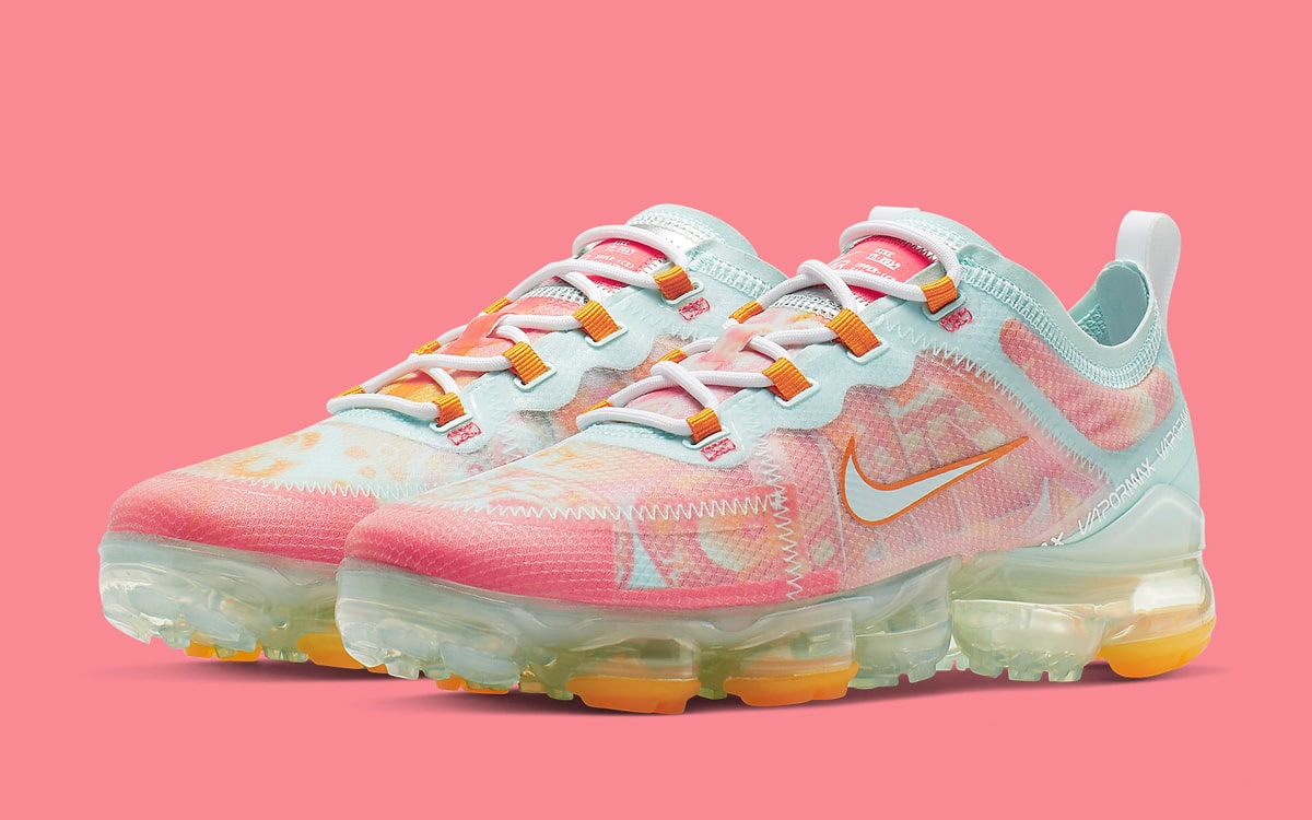 Available Now // The Nike VaporMax 2019 Gets Dip-Dyed Drip