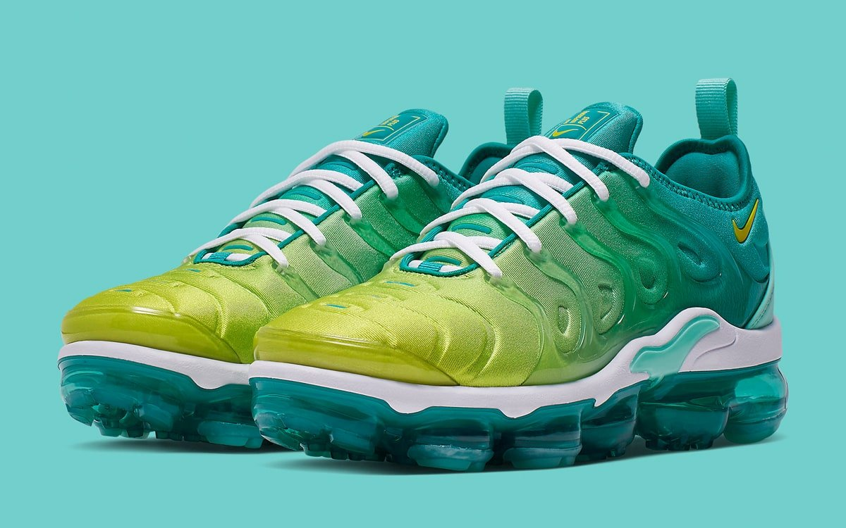 sports shoes 8cf67 5c437 Available Now // Nike Air VaporMax Plus