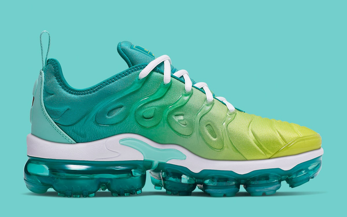 sports shoes 89d97 8f359 Available Now // Nike Air VaporMax Plus