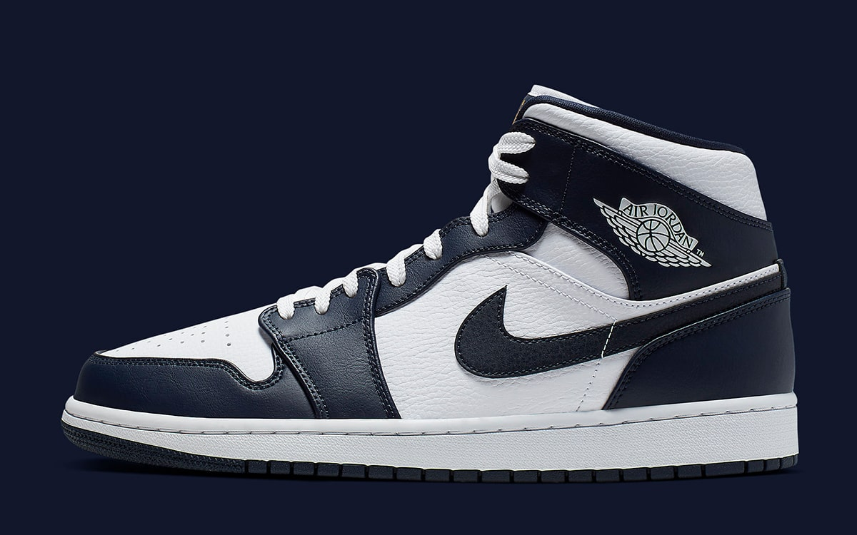 The Air Jordan 1 Mid Looks Awesome in