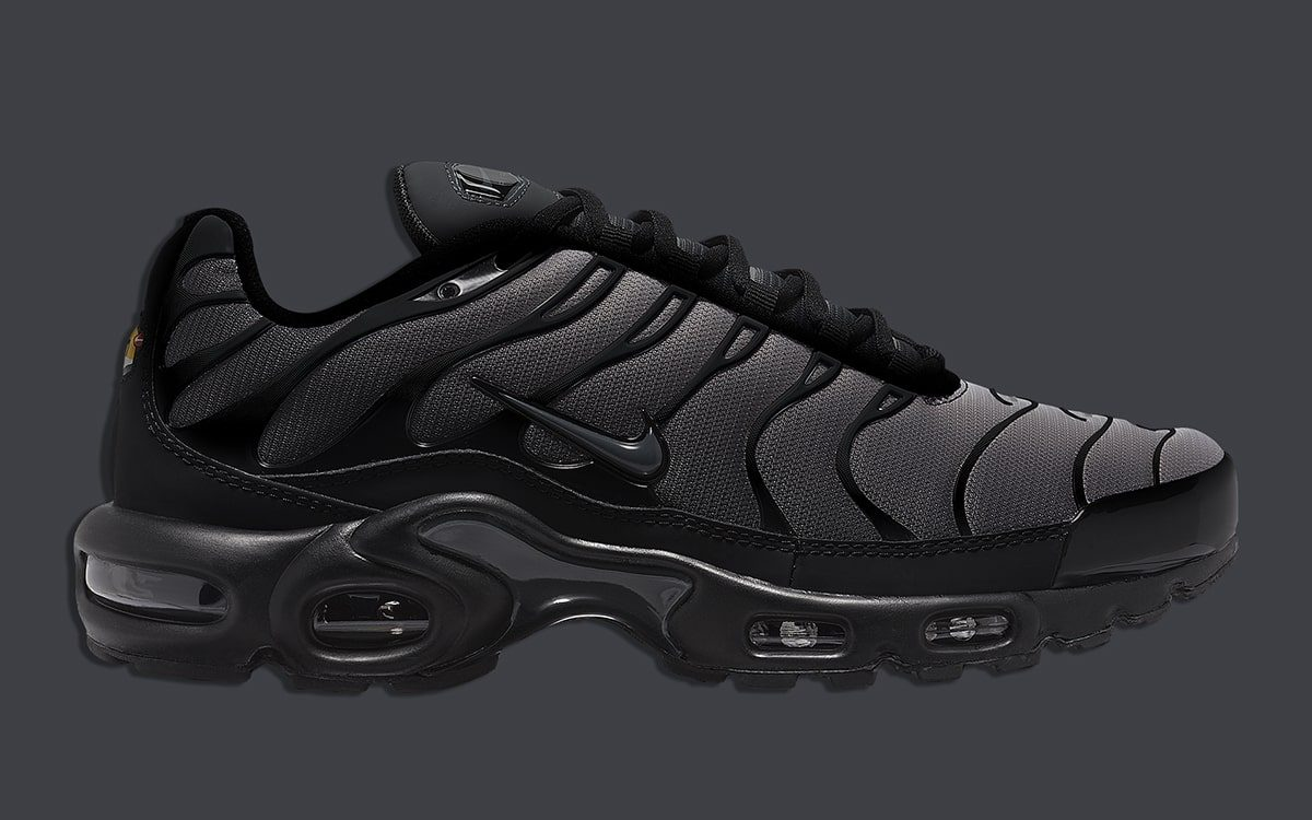 Available Now Nike Air Max Plus Black Thunder House Of Heat