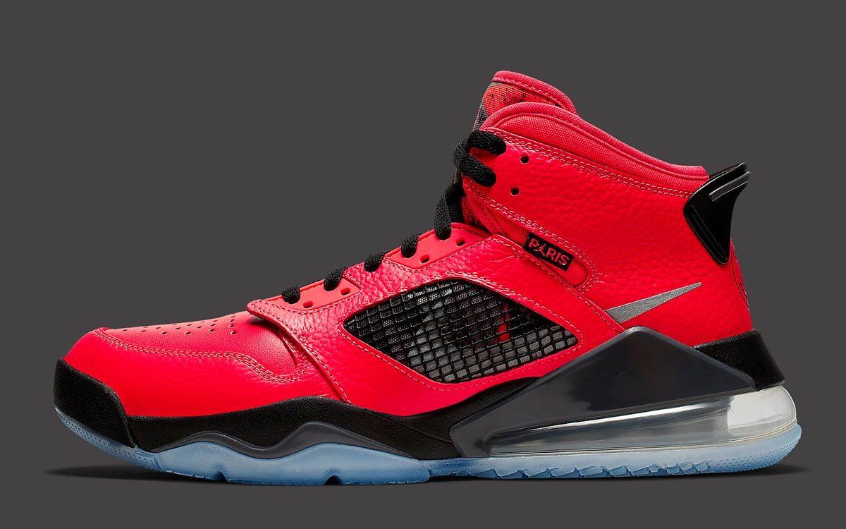 Official Looks at the Jordan Mars 270 PSG