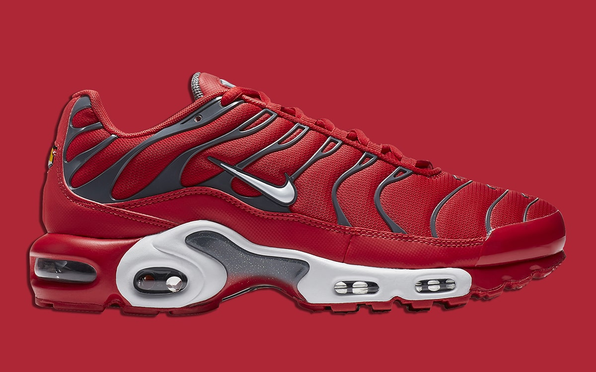buy popular 10208 8d3ee Available Now // Nike Air Max Plus in University Red/Dark ...