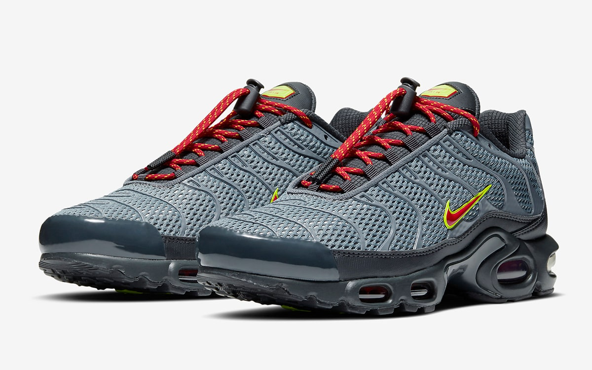 Nike Add Toggles To The Tn House Of Heat Sneaker News Release