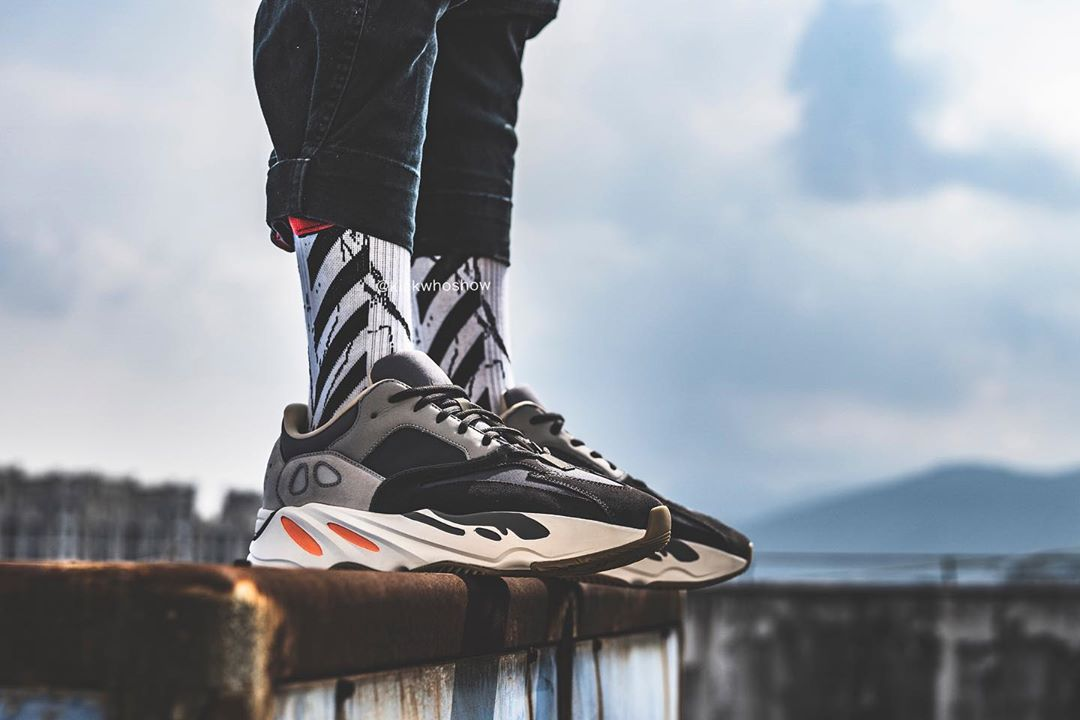sneakers for cheap 89b57 ee7be adidas YEEZY 700