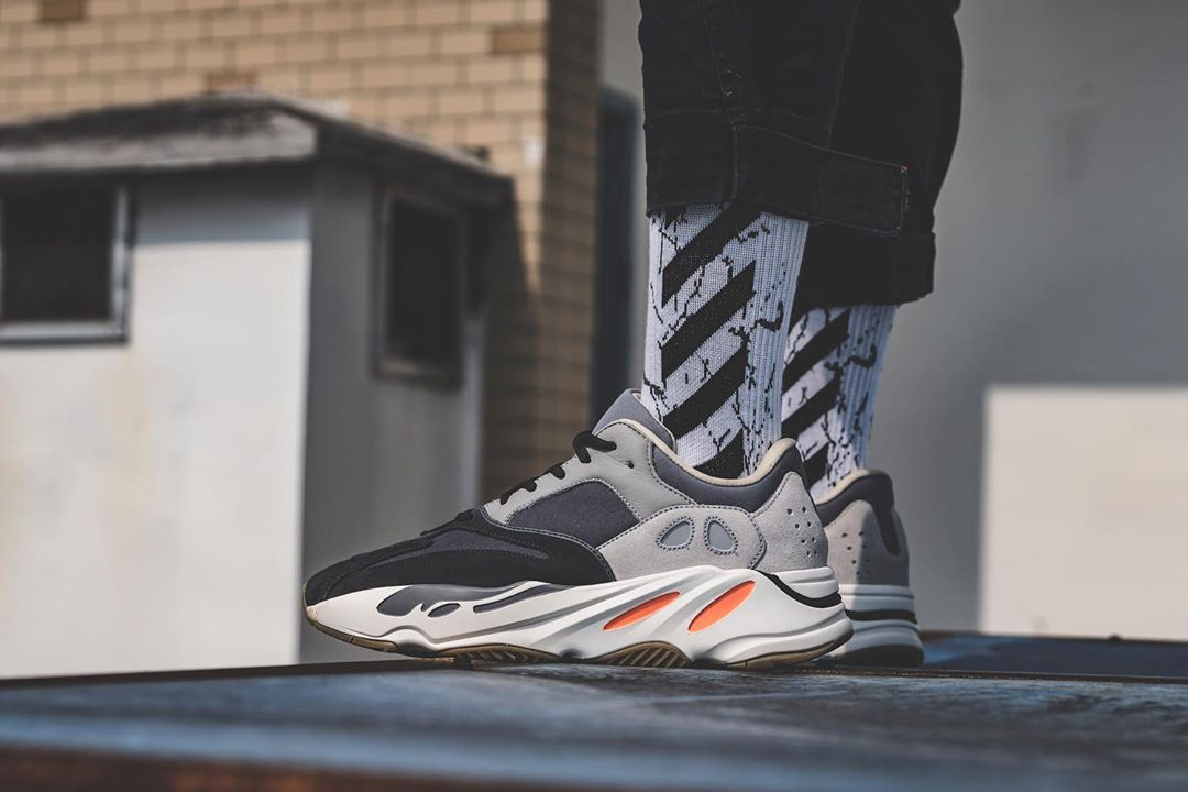 sneakers for cheap 0f746 38470 adidas YEEZY 700
