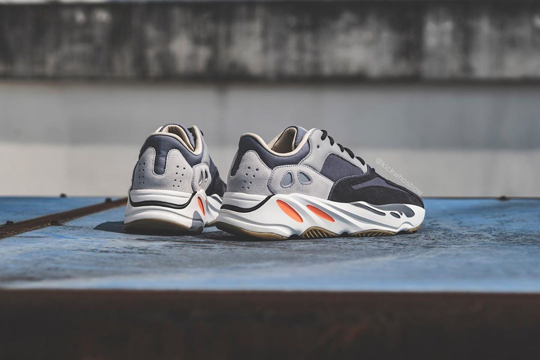 sneakers for cheap bbf10 2869e adidas YEEZY 700