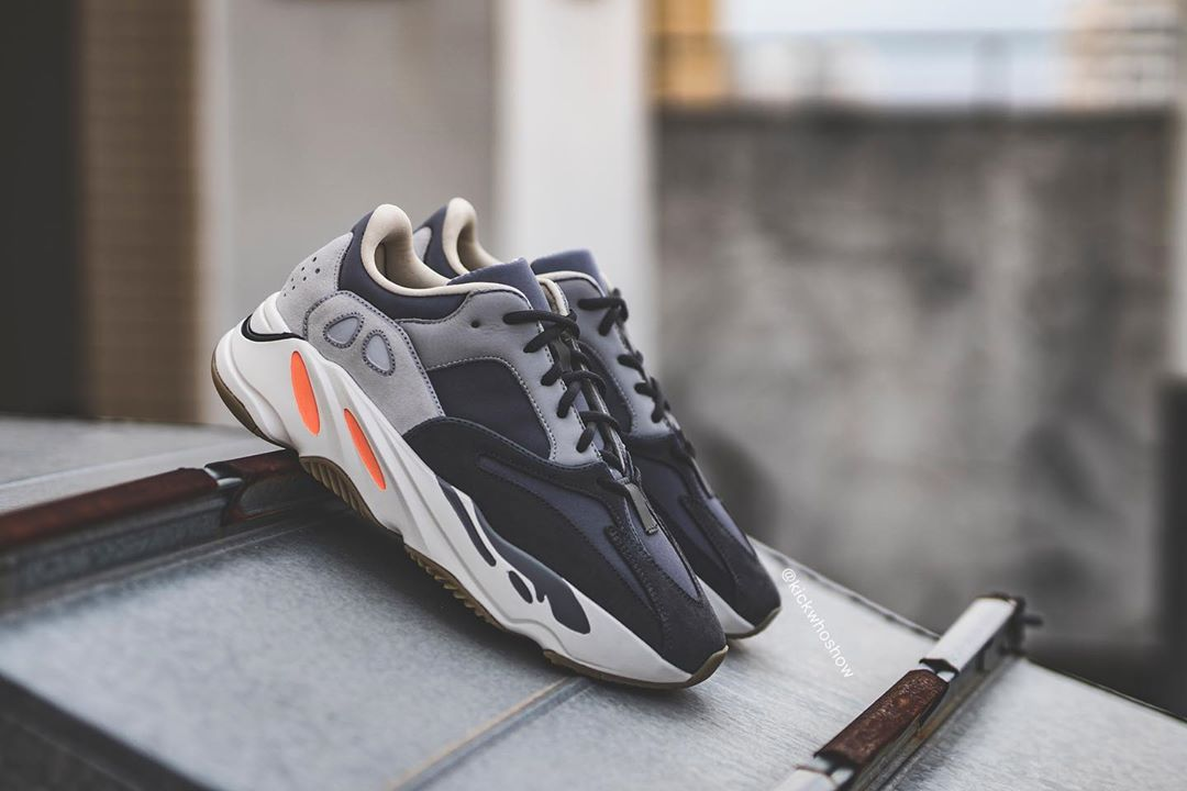 sneakers for cheap bbbe9 cb0e3 adidas YEEZY 700