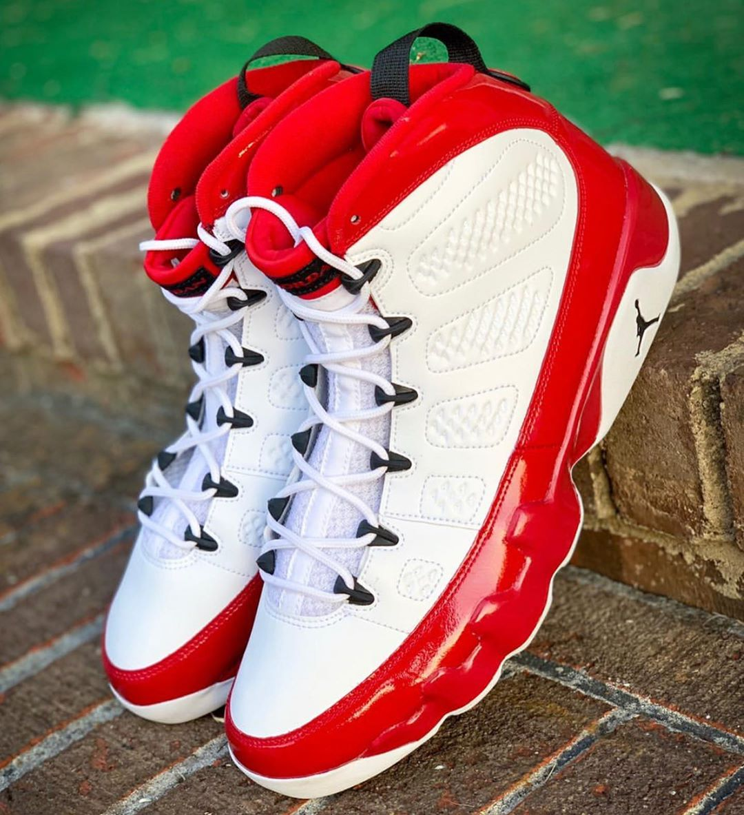 huge discount 81a22 948f4 Detailed Looks at the Air Jordan 9