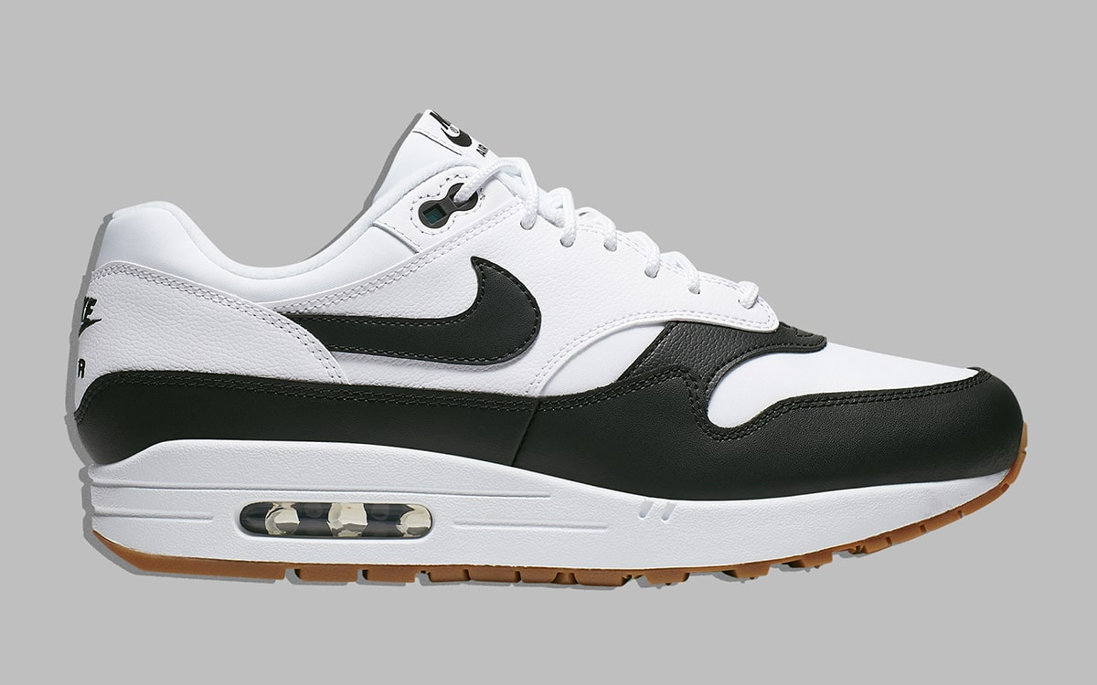 Vai al circuito metropolitana Preconcetto  Available Now // The Air Max 1 Looks Awesome in White, Black, and Gum -  HOUSE OF HEAT | Sneaker News, Release Dates and Features
