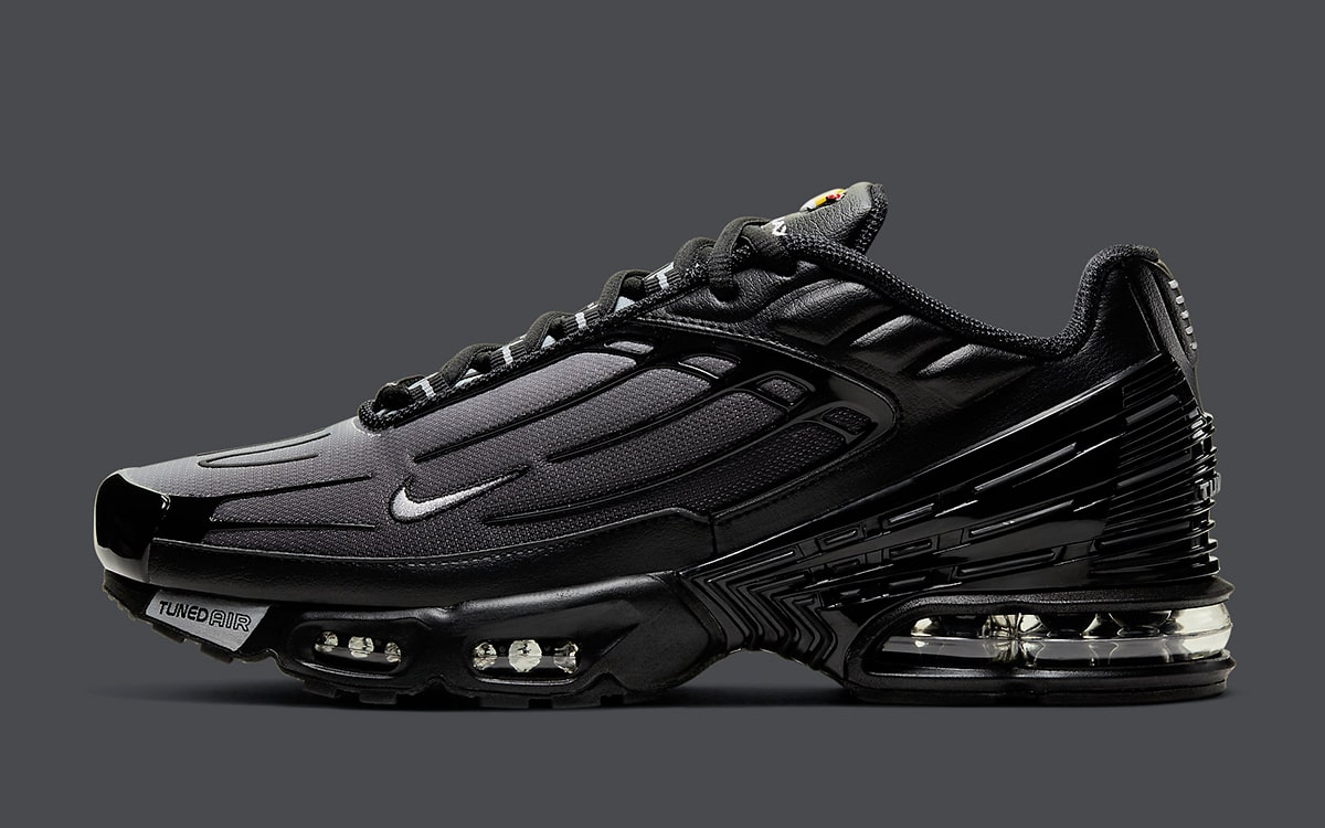 Inclinado surf pistola  The Air Max Plus 3 Black/Wolf Grey Releases Next Week - HOUSE OF HEAT |  Sneaker News, Release Dates and Features